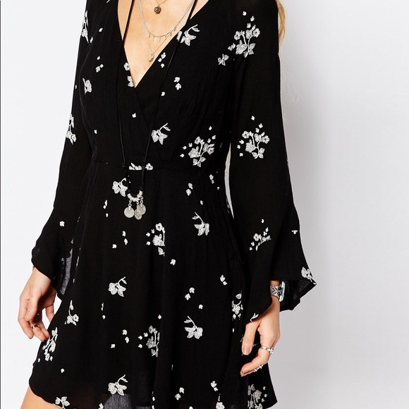 94a4447e9 Free People Dresses & Skirts - Free People Jasmin Embroidered Bell Sleeve  Dress